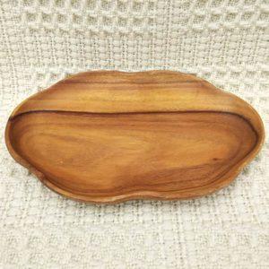 Plateau en bois forme feuille