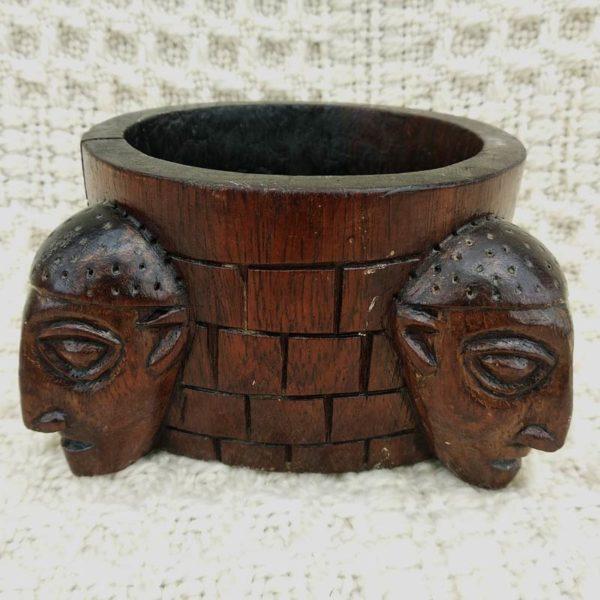 Vide-poche ethnique en bois