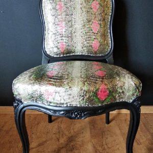 Chaise Napoléon III fauteuil imprimé peau de serpent