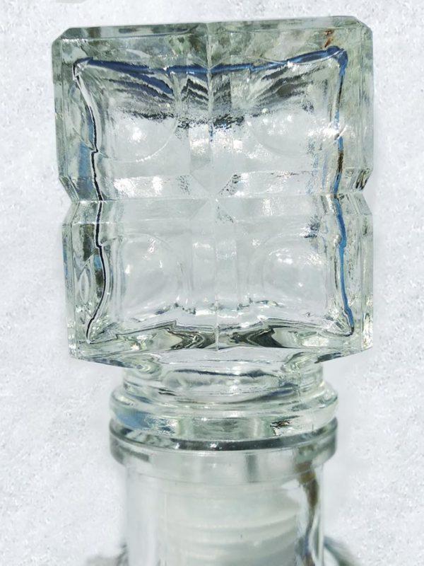 Carafe vintage en verre détail bouchon