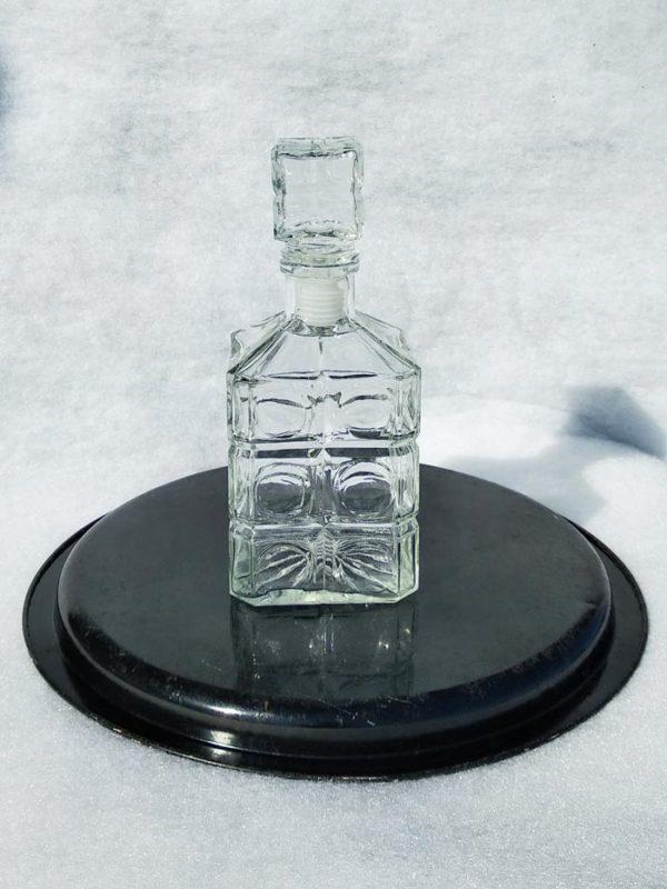 Carafe vintage en verre travaillé
