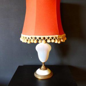 lampe boheme avec abat-jour pompons