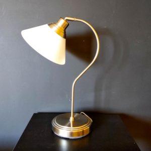 lampe de bureau acier et verre blanc