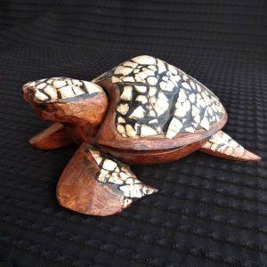 tortue ethnique en bois