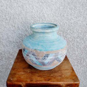 vase en terre bleu turquoise