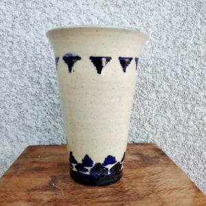 vase en terre cuite émaillé décor bleu