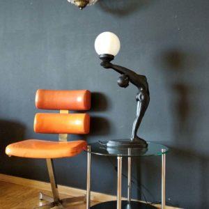 Chaise bibendum en cuir orange années 80